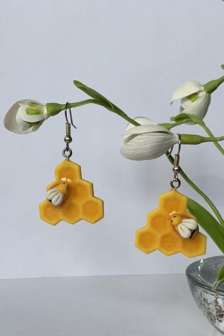Yellow earrings, honeycombs with honey, bee earrings, bright summer, fancy jewelry, yellow mine jewelry